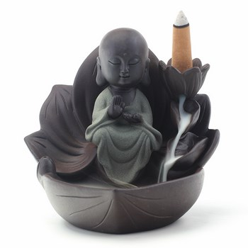 Thác khói trầm hương phật tọa đài sen